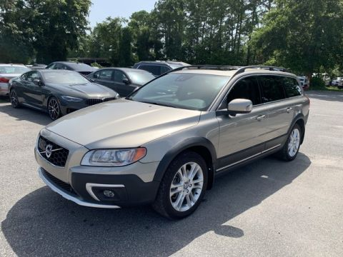 Pre-Owned 2016 Volvo XC70